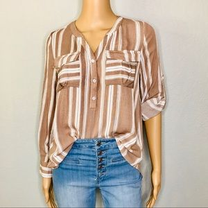Long sleeve pocketed top